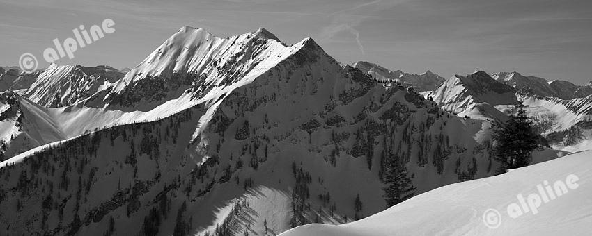 Tirol, Unteres Inntal; Achensee Region; bei Achenkirch Blick ins Karwendel Gebirge