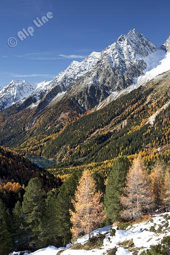 Blick vom Stallersattel gegen Wildgall, unten der Antholzersee (Rieserfernergruppe) Osttirol