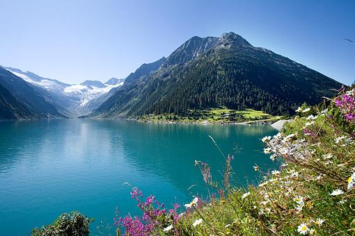 Tirol, Region Zillertal; Der Schlegeisstausee im Zemmgrund, westl. Zillertaler Alpen gegen Zamser Eck und Hochsteller