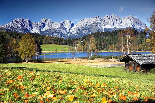 Schwarzsee bei Kitzbühel gegen Kaisergebirge, Tirol