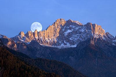 Mond über der Civetta, Südtirol/ Italien