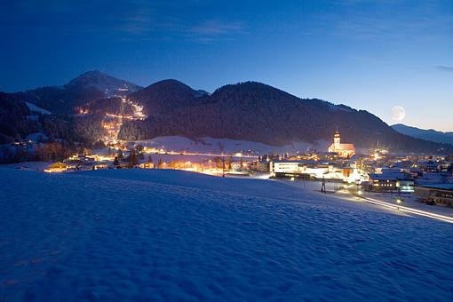 Söll am Wilden Kaiser mit der Hohen Salve, Tirol