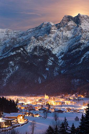 Vollmondnacht über Waidring um Tiroler Unterland, Pillerseetal, Tirol