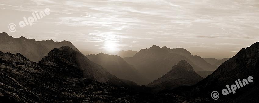 Sonnenuntergang im Steinernen Meer gegen das Kaisergebirge, Pinzgau, Salzburger Land