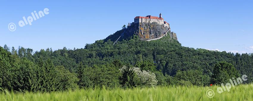 Steiermark; Trautenfels Schloss Trautenfels gegen Grimming (Im Ennstal)