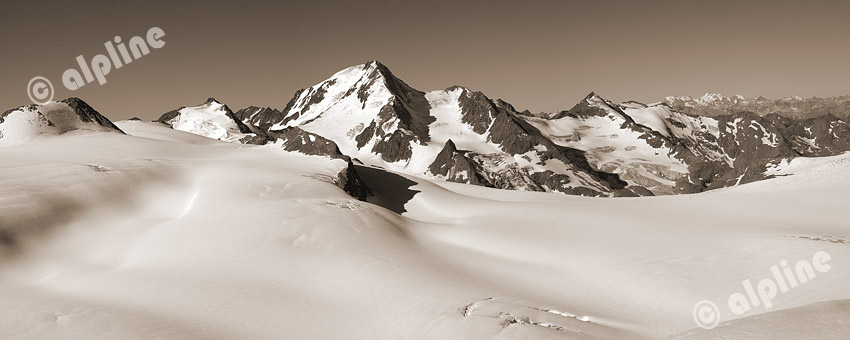 Tirol, Vent: Dhamann Spitze gegen Kesselwandferner und Weißkugel 3739m (Ötztaler Alpen)