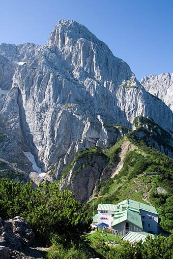 Tirol, Kufstein: Das Stripsenjochhaus im Wilden Kaiser gegen das Totenkirchl, Tirol