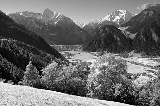 Tirol, Region Zillertal; Blick vom Ramsberg auf Mayrhofen gegen v. li. Dristener und Grinbergspitze.