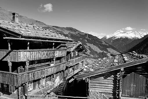 Tirol, Region Zillertal; Bergbauernhof in Gemais bei Vorderlanersbach im Tuxertal gegen die Ahornspitze,