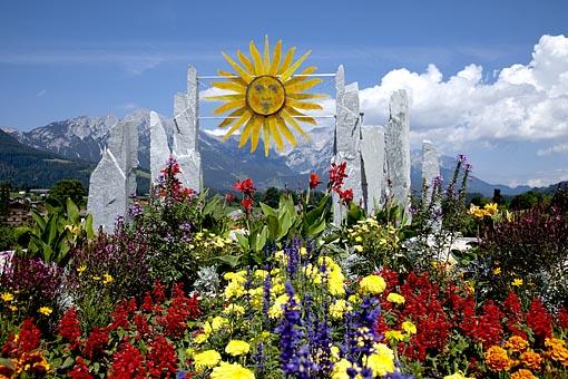 Herzlicher Empfang mit Blumen in Söll am Wilden Kaiser
