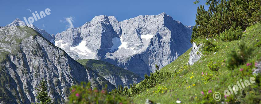 Karwendel Gebirge; Eiskarlspitze und Spritzkarspitze bei Hinterriss, Tirol