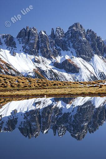 Der Salfeins See gegen Kalkkögel (Stubaier Alpen) Tirol