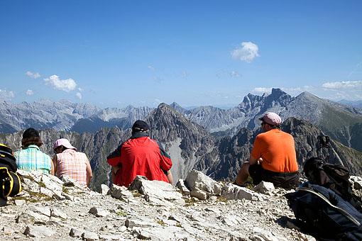 Bergsteiger auf der Reiterspitze im Karwendel, Tirol