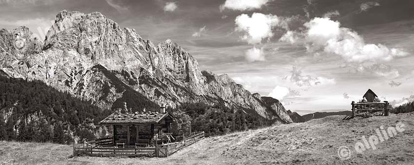 Auf der Litzalm im Steinernen Meer mit der Reithergebirge, Pinzgau, Salzburg