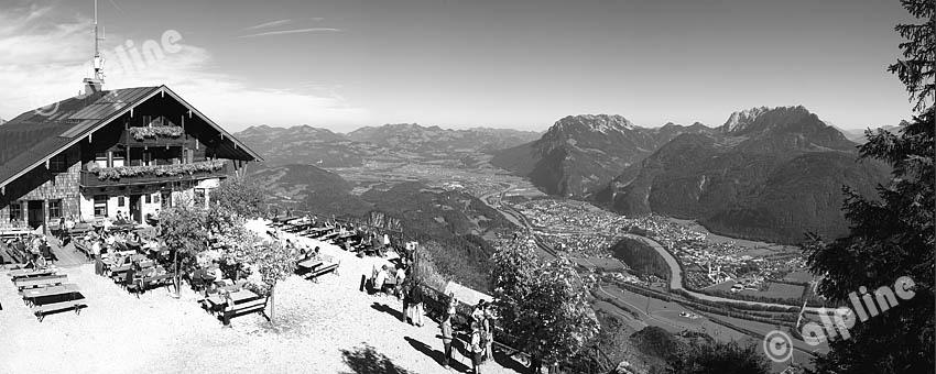 Tirol, unteres Inntal bei Kufstein. Am Pendling mit Tiefblick auf Kufstein