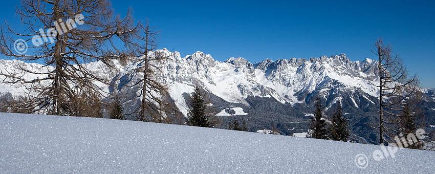 Blick auf Ellmau a. Wilden Kaiser und das Kaisergebirge vom Hartkaiser, Region Kitzbühel, Tirol