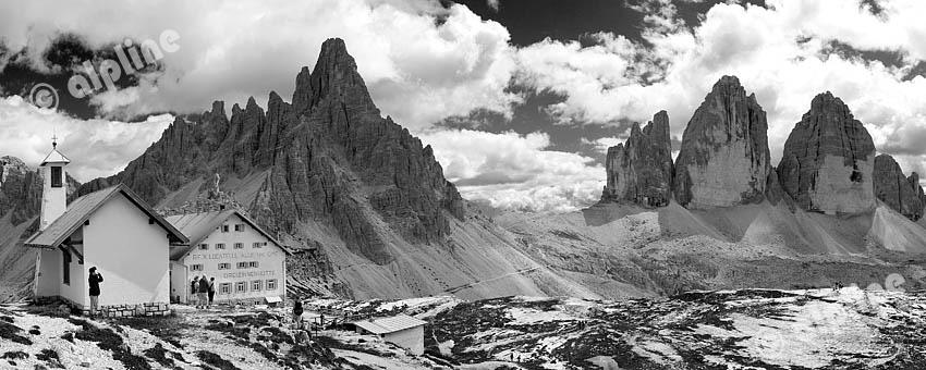 Die drei Zinnen von Norden (Dolomiten) v.li. Zinnenhütte, Paternkofel, Paternsattel, Zinnen, Südtirol