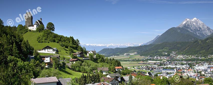 Tirol, Region Unterinntal; Schloss Freundsberg, Schwaz und das Karwendelgebirge