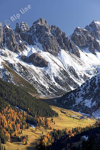 Die Kemater Alm gegen Kalkkögel (Stubaier Alpen) Tirol