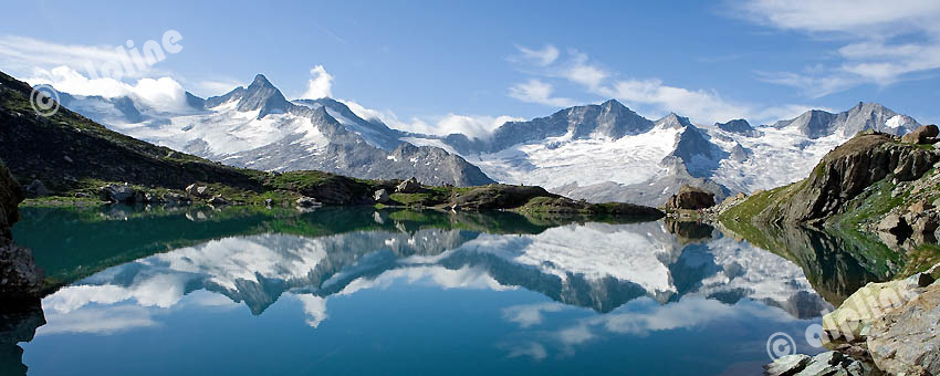 Der Schwarzsee gegen den Zillertaler Hauptkamm, v.li. Hornspitze 3254m, Turnerkamp 3420m, Gr. Möseler 3480m, Tirol