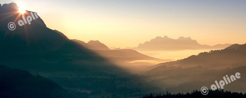 Morgenstimmung bei Söll am Wilden Kaiser mit Blick zu den Loferer Steinbergen, Tirol