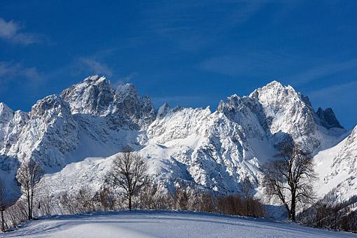 Tirol, Region Kitzbühel - Ellmau - Wilder Kaiser: Blick auf den Wilden Kaiser mit Ellmauer Halt, Vordere Karlspitze und das Ellmauer Tor