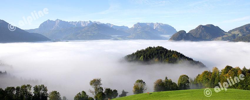 Region Wilder Kaiser - Kaiserwinkel: Nebelmeer über Kössen gegen Wilden Kaiser, Tirol