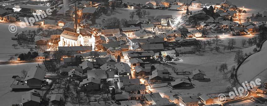 Tirol, Region Unterinntal; Wiesing in einer Vollmondnacht