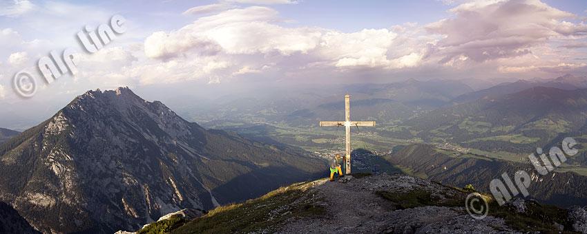 Abendstimmung nach einem Gewitter am Stoderzinken mit Blick auf das Ennstal, Steiermark