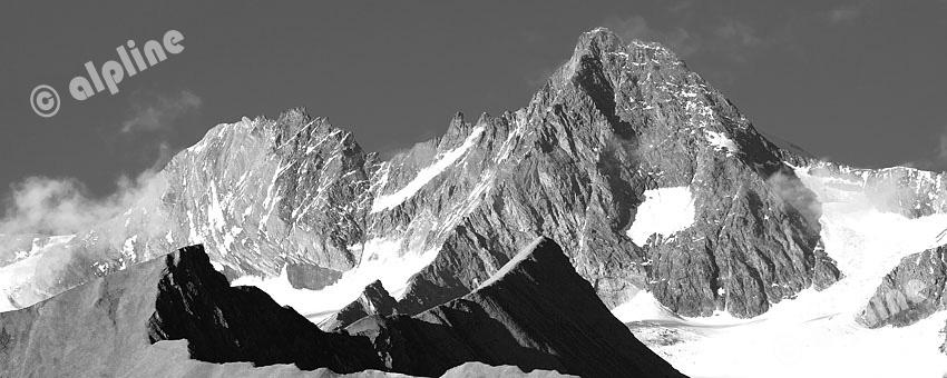 Tirol, Osttirol: Der Großglockner aus dem Ködnitztal bei Kals, Standort Lesachriegel. Im Vordergrund das Fiegerhorn.