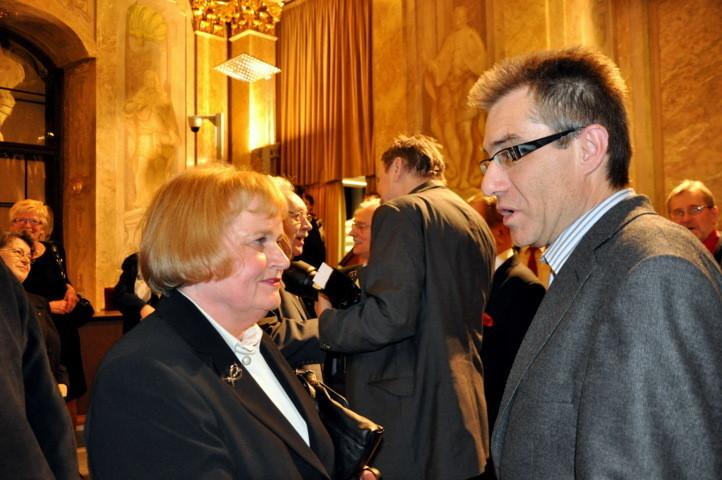 Frau Sabine Gruša und Dr. Zdeněk Mareček