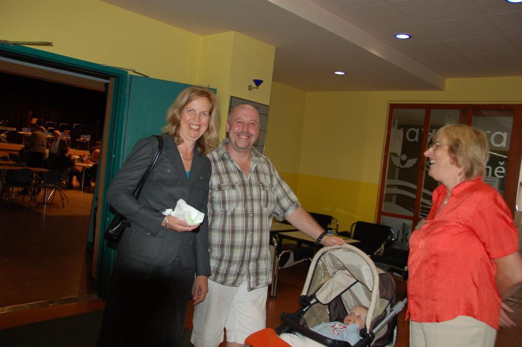 Frau Zerwinsky, Goethe Institut Prag besucht die Veranstlatung zusammen mit ihrer ganzen Familie
