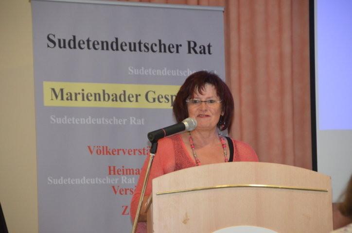 Frau Generalsekretärin Christa Naaß eröffnet die Veranstaltung