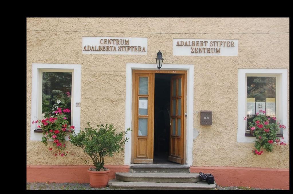 Eingang zum Adalbert Stifter Zentrum