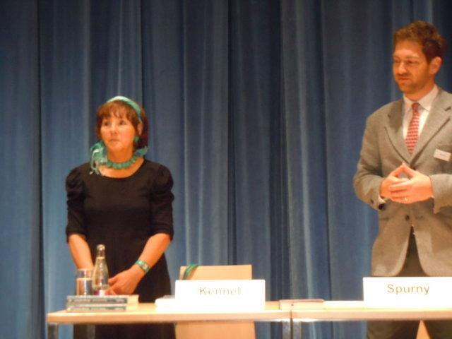 """Herma Kennel liest aus ihrem Buch """"Bergersdorf"""""""