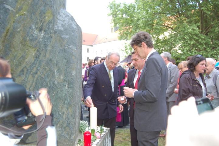 S.E. Ferdinand von Trauttmannsdorff, Botschafter der Republik Österreich, Primator Petr Vokřál, S.E. Arndt Freiherr Freytag von Loringhoven, Botschafter der Bundesrepublik Deutschland