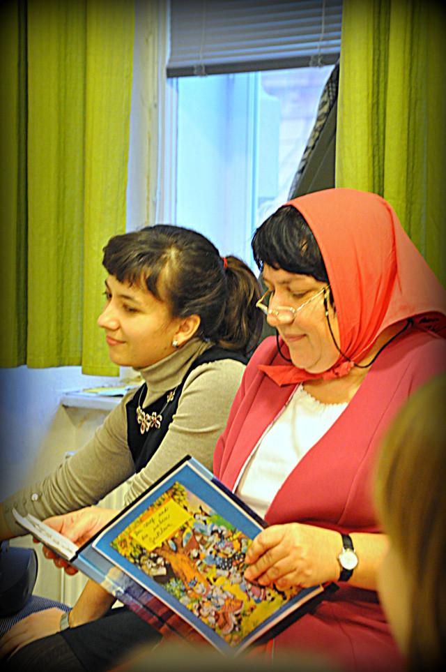 Dr. Brnicka und Marie Kottová, die Lehrerinnen und REgiseurinnen