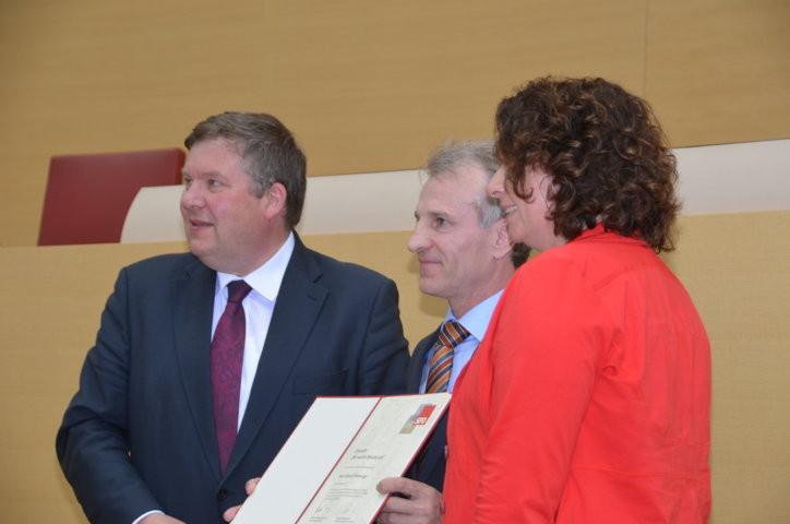 Herr Volkmar Halbleib, MdL, würdigt heimatvertriebene Flüchtlingshelfer