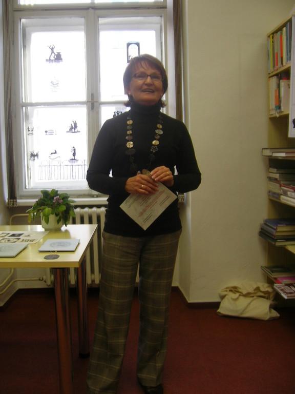 Dr. Darina Zanaskova eröffnet die Ausstellung