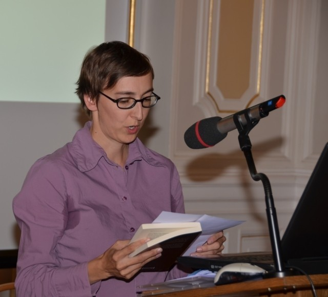 Dr. Wessely promovierte in  Wien , ihre Dissertation befasste sich mit dem Brünner Theater