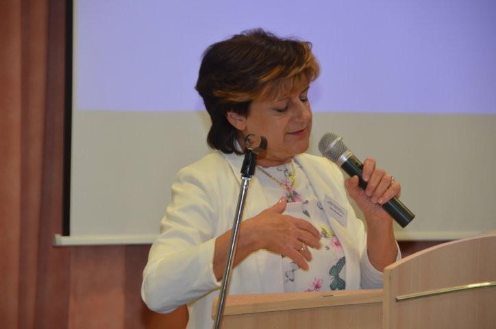 Frau Nina Nováková Abgeordnete des Parlaments der Tschechischen Republik