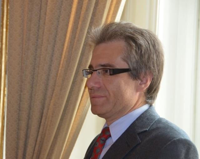 Dr. Zdeněk Mareček, dem wir die Konzeption der Veranstaltung danken,  moderiert den festlichen Nachmittag