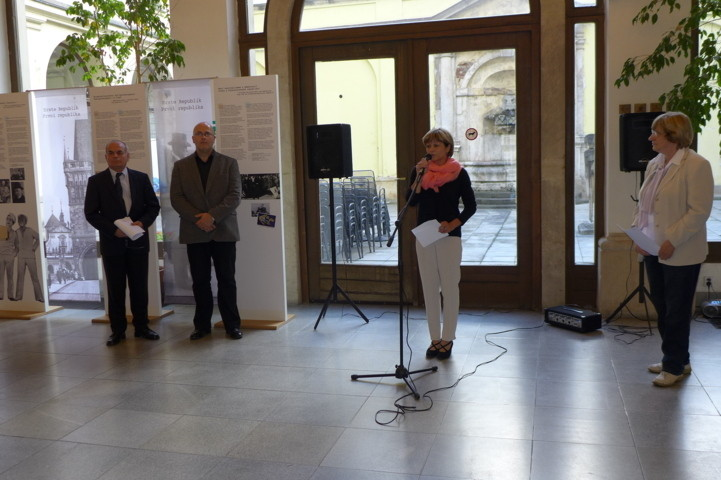Begrüssung der Gäste der Ausstellung durch Frau Mgr. Eva Pánková