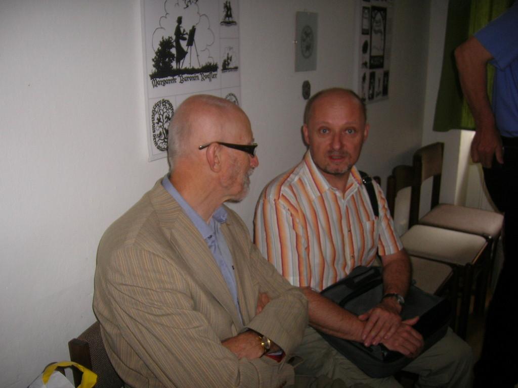 Zu den Besuchern zählte auch Dr. Miloš Vraspír, der Brünner Beauftragte fúr Minderheiten und Dr. Roman Truksa, Direktor des Brünner Kulturzentrums