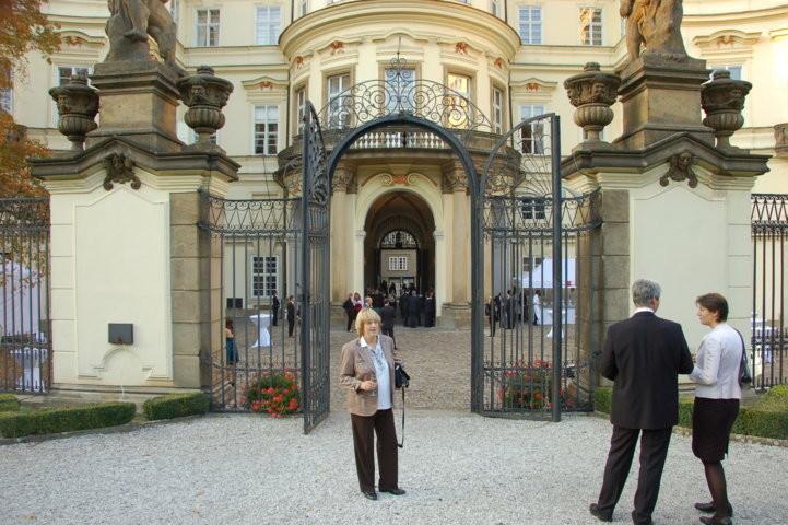 Blick auf das Palais Lobkowitz vom Garten aus