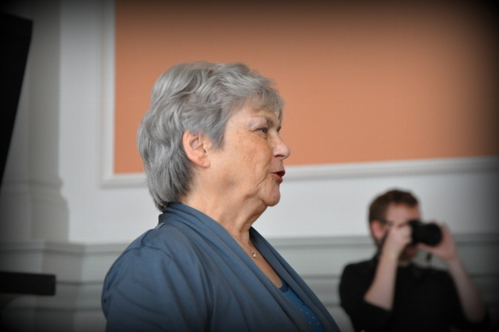 Frau Prof.  PhDr. Jindra Bártová, Csc berichtet über die deutschen und tschechischen Mittelschulen zur Zeit Leoš Janáčekss