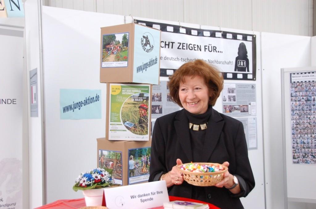 Frau Klieber, Geschäftführerin der Ackermann-Gemeinde