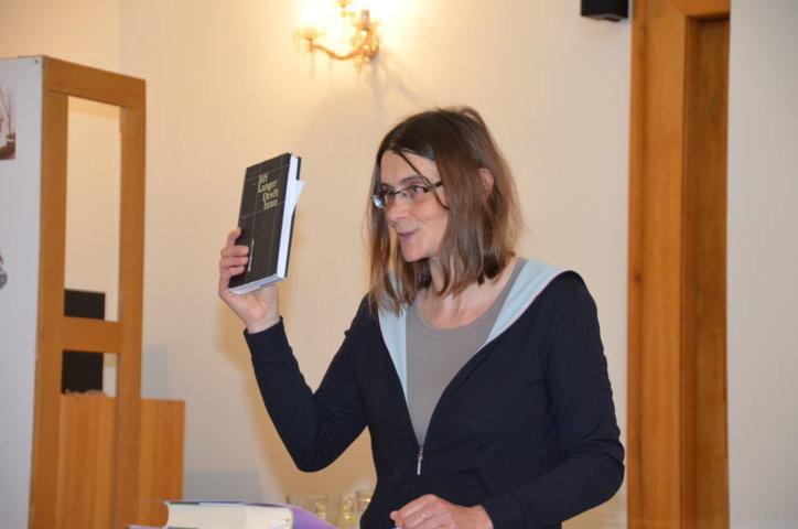 Frau Kristina Kallert, Universität Regensburg während ihres Vortrags