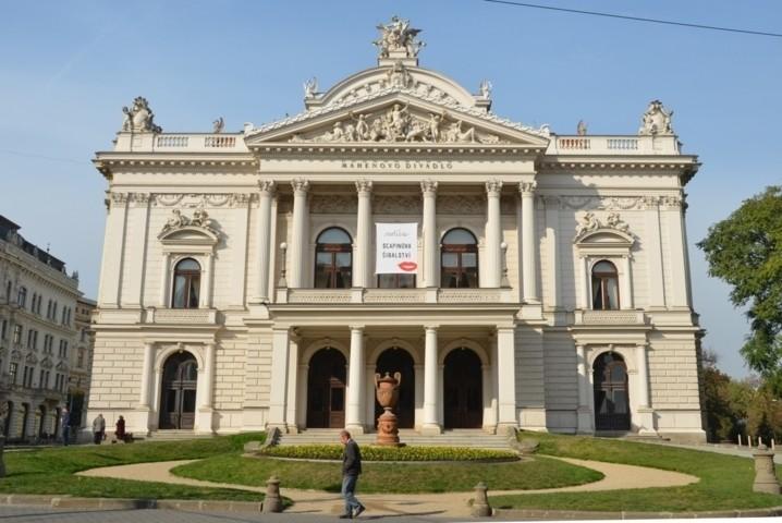 Wir danken der Direktion des Nationaltheaters in Brünn