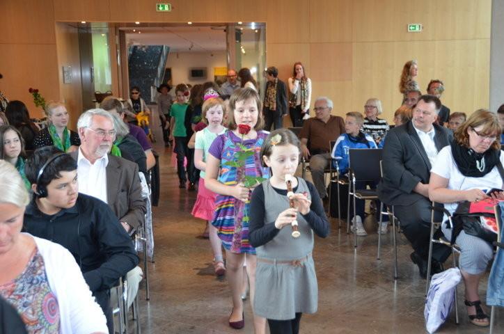 Einzug der Brünner  Kinder in den Festsaal